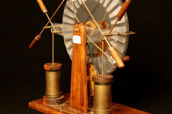 generatore wimshurst planetario milano