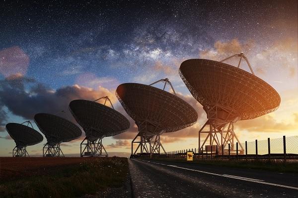 C'È QUALCUNO LÀ FUORI? Il progetto SETI e la ricerca di vita intelligente nell'Universo