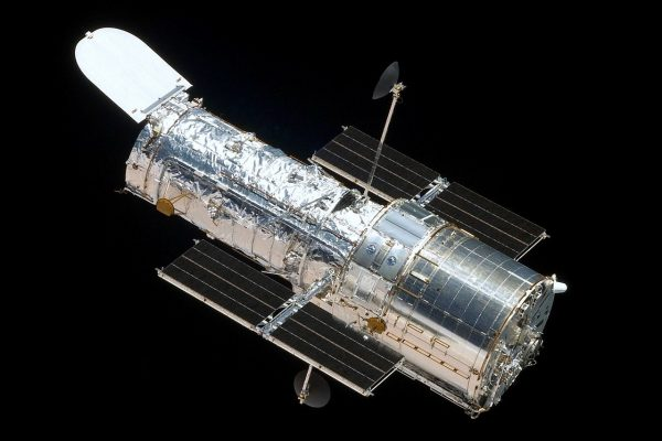 Gli anni si sentono: il telescopio spaziale Hubble ha di nuovo qualche problema news