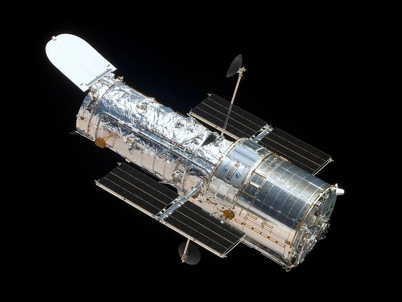 Gli anni si sentono: il telescopio spaziale Hubble ha di nuovo qualche problema Andrea Castelli, Associazione LOfficina, Civico Planetario Ulrico Hoepli, ESA, giroscopio, Hubble, lofficina del planetario, NASA, news, telescopio spaziale