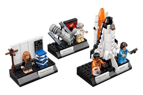 La LEGO conquista lo spazio saturno 5