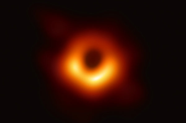17/05/2019 - La foto del secolo e la ricerca di buchi neri Audio