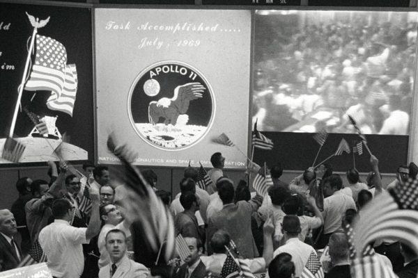 La NASA riapre la sala che sorvegliava e guidava l'Apollo 11 luna 50