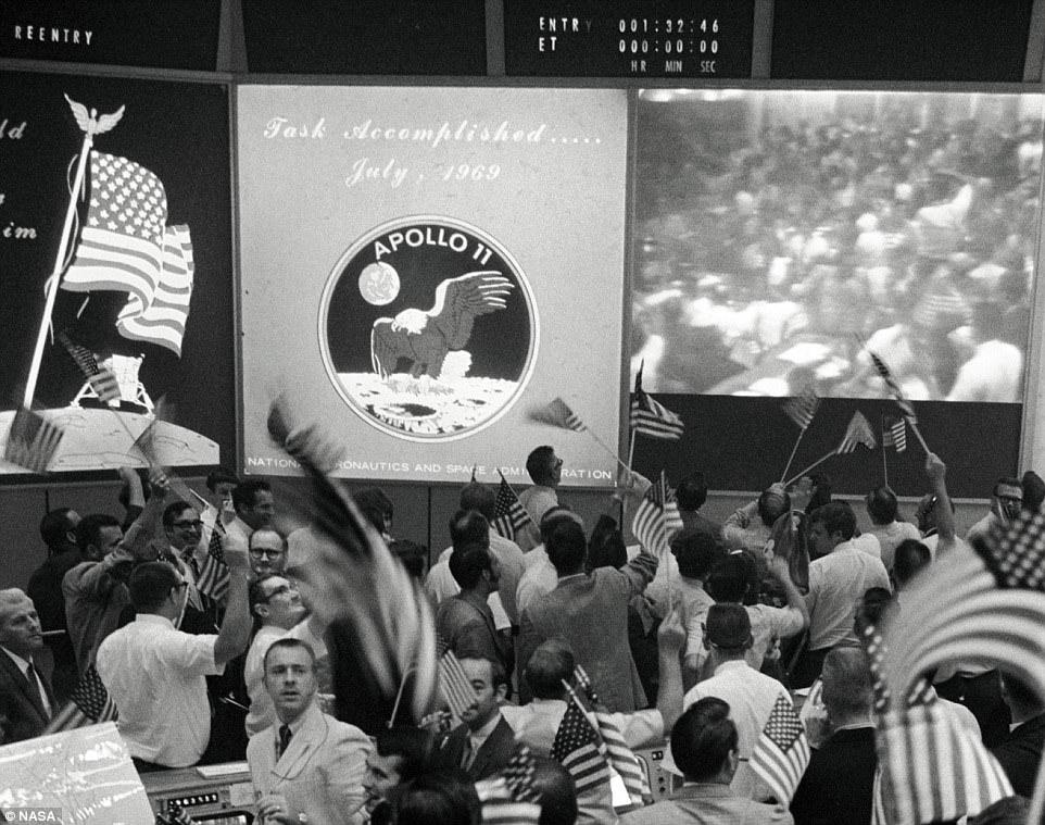 La NASA riapre la sala che sorvegliava e guidava l'Apollo 11 50 anni apollo 11, allunaggio, apollo 11, Associazione LOfficina, luna, luna 50, Marco Milano, Mission Control Room, missioni spaziali